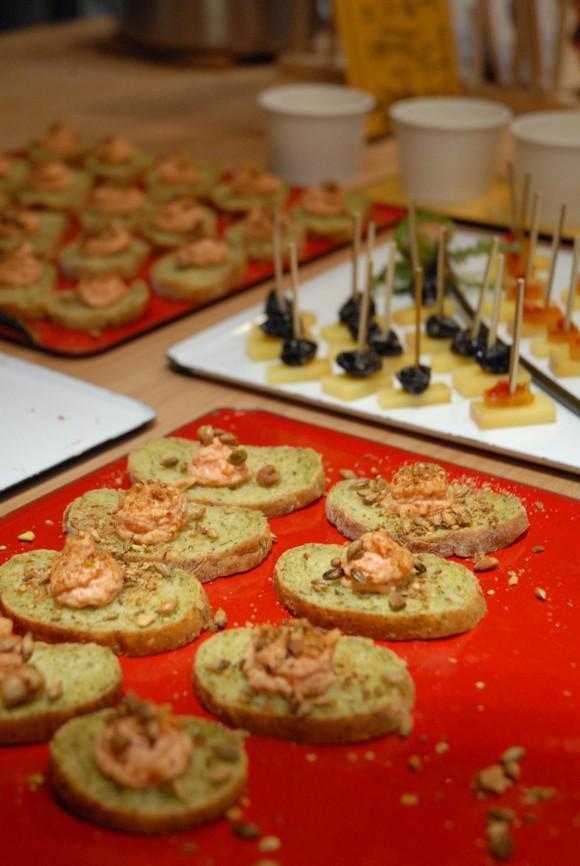 ルッコラ米麹パン 金時人参とガンジー牛乳 リコッタチーズと塩麹ディップ エジプト塩のせ